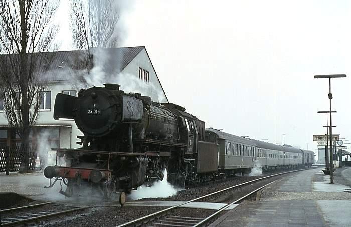 1968: E1519 mit 23 015