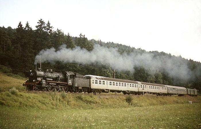 E4588 (Horb - Stuttgart) mit 38 3559 am 6.8.1968 im Neckartal