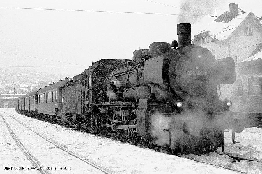 E1949 mit 038 156 am 3.1.1970 in Freudenstadt