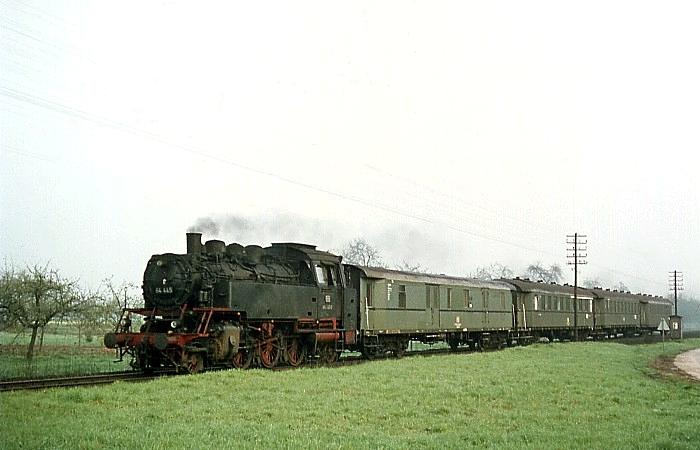 N3820 (Aschaffenburg - Miltenberg) mit 64 445 am 2.5.1969