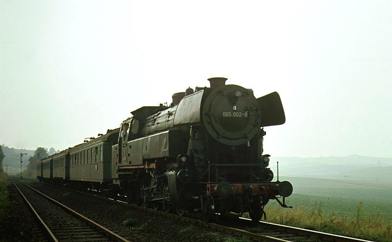 3546 (Darmstadt – Eberbach) mit 065 002 am 19.8.1969 in Zeilhard
