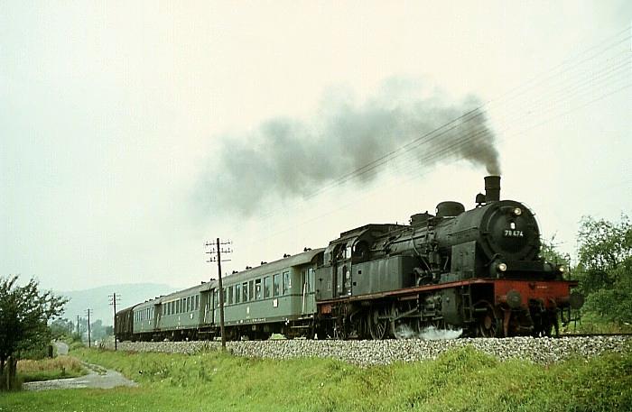 E4725 (Stuttgart - Crailsheim) mit 78 474 am 8.8.1968 bei Plüderhausen