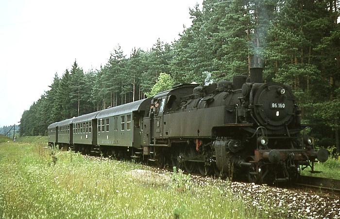 P2885/6 (Allersberg – Burgthann) mit 86 160 am 25.7.1968 in Rengersricht
