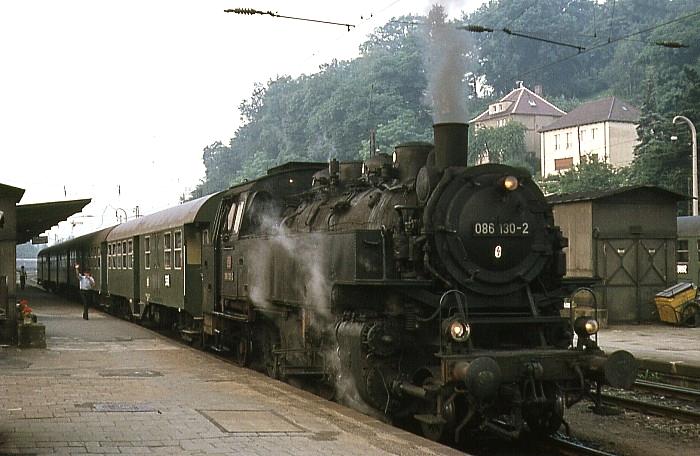 2019 (Coburg - Neustadt) mit 086 130 am 28.7.1969 in Coburg