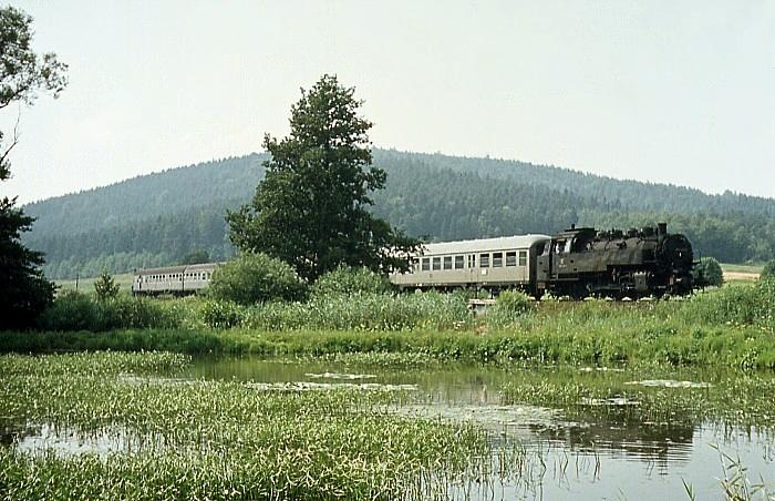 2057 (Coburg – Neustadt) mit 086 419 am 28.7.1969 bei Mönchröden
