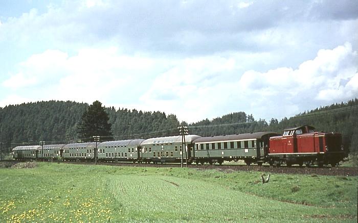 E4954 (Köln-Deutz – Gerolstein) am 13.5.1967 an der Strecke Köln – Trier