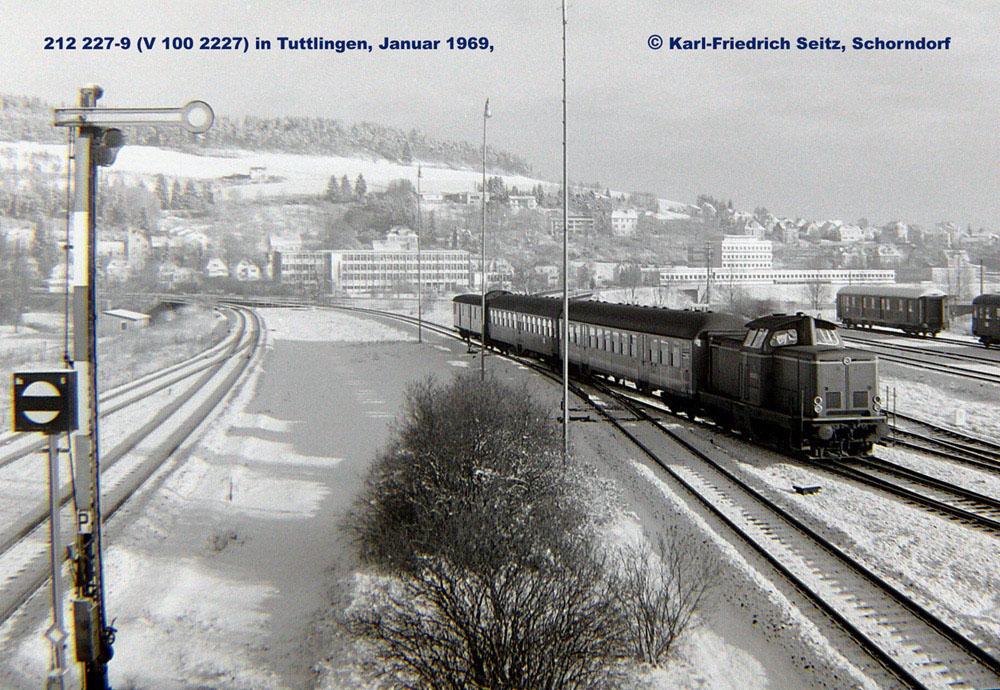 V100 2227 im Januar 1969 in Tuttlingen
