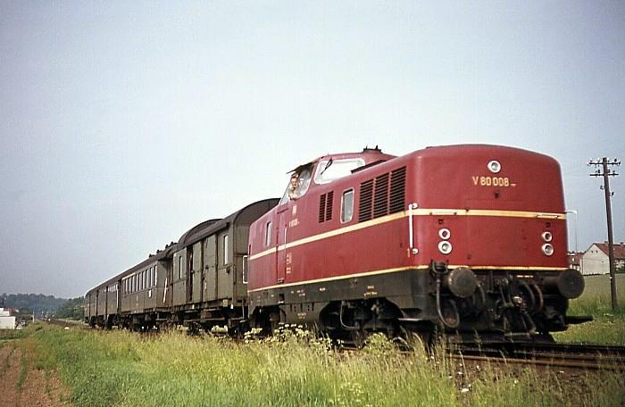 P1053 (Coburg – Neustadt) mit V 80 008 am 06.06.1968