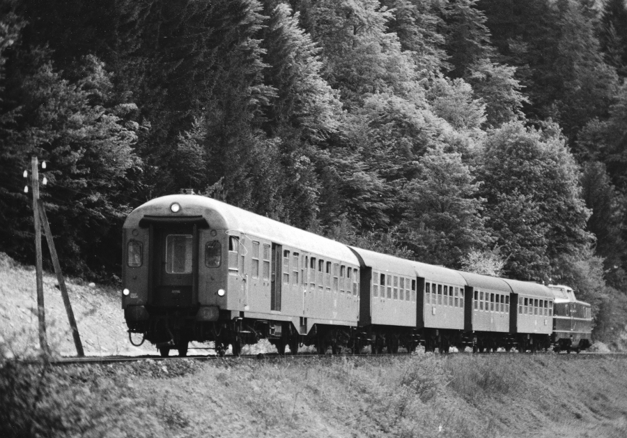 P2021 mit 280 006 am 15.5.69 bei Muggendorf