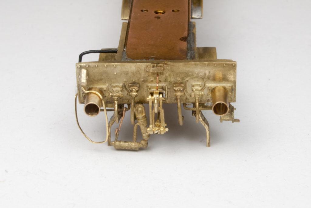Pufferbohle der 78 385 mit diversen Zurüstteilen