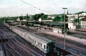 V100 mit Silberling-Wendezug 1970 in Wuppertal Oberbarmen